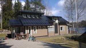 Omakotitalon katto tarvikkeineen Jyväskylässä
